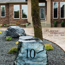 Accent Feature 25 | B. Rocke Landscaping | Winnipeg, Manitoba