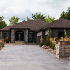 Accent Feature 1 | B. Rocke Landscaping | Winnipeg, Manitoba