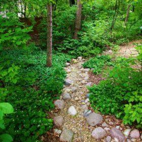Garden 21| B. Rocke Landscaping | Winnipeg, Manitoba