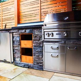 Outdoor Kitchen 2 | B. Rocke Landscaping | Winnipeg, Manitoba