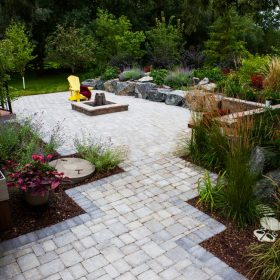 Paths and Walkways 3 | B. Rocke Landscaping | Winnipeg, Manitoba
