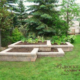 Planter Retaining Wall 7 | B. Rocke Landscaping | Winnipeg, Manitoba