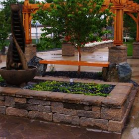 Planter Retaining Wall 18 | B. Rocke Landscaping | Winnipeg, Manitoba