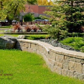 Planter Retaining Wall 28 | B. Rocke Landscaping | Winnipeg, Manitoba