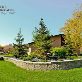 Planter Retaining Wall 37 | B. Rocke Landscaping | Winnipeg, Manitoba