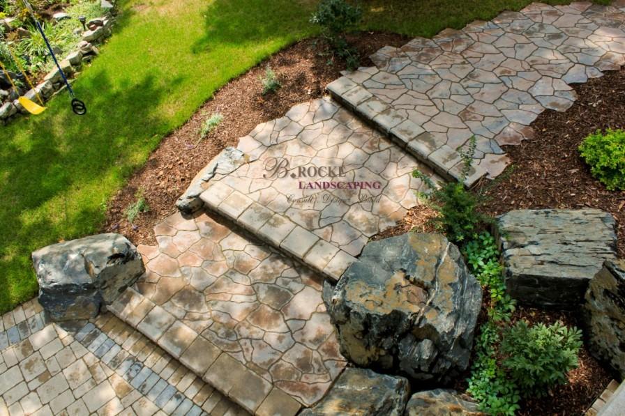 Boulder Accent 2 | B. Rocke Landscaping | Winnipeg, Manitoba