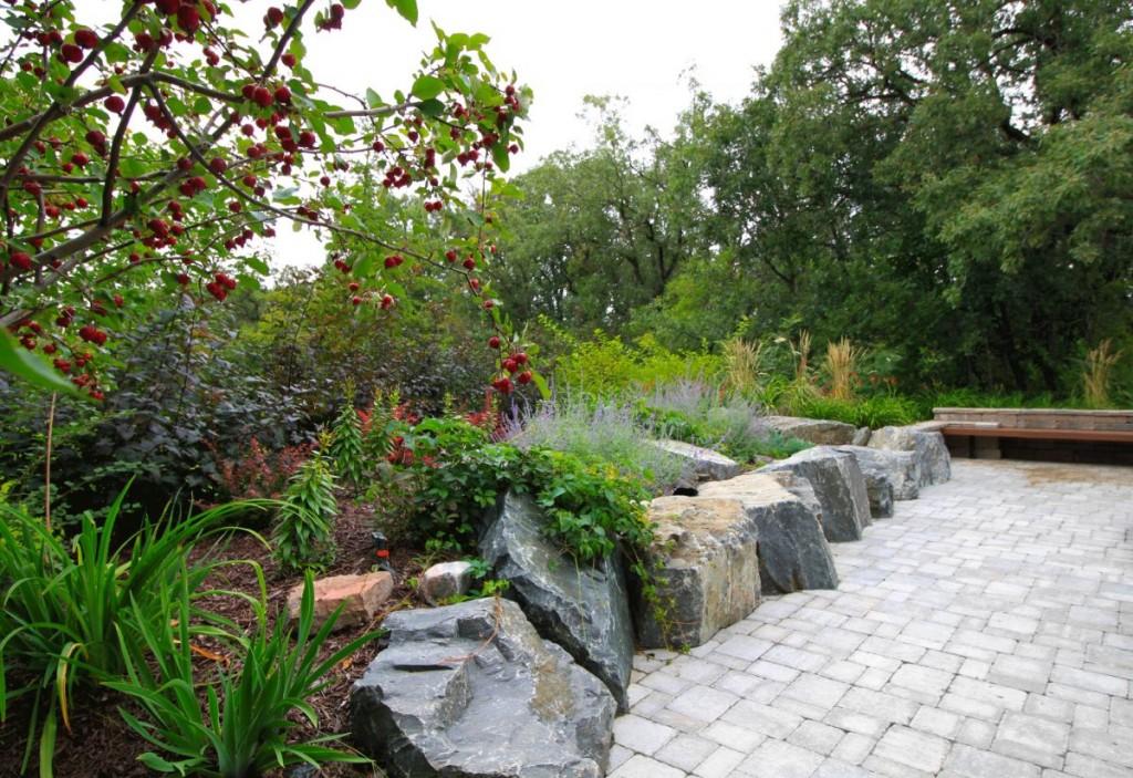 Black Granite Retaining Wall | B. Rocke Landscaping | Winnipeg, Manitoba